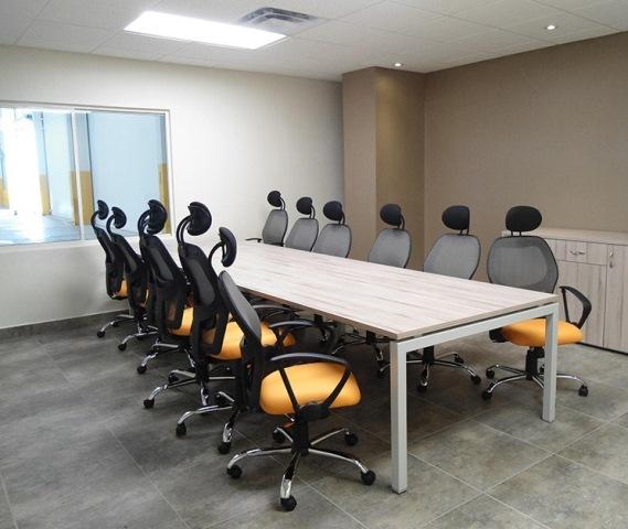 Mesa de Juntas de 4.80 x 1.20 1